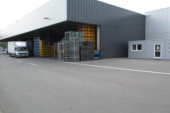 Überdachtes Freilager & neues Logistikbüro in Rekordzeit umgesetzt